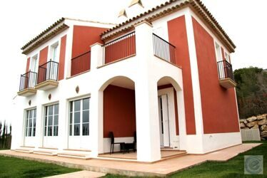 New house with views of the sea and the countryside, in a privileged area of Benidorm, Sierra Cortina .