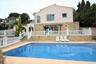 Villa within walking distance of the sandy beach and the center of Moraira