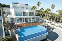 New construction. Villa with sea views in Moraira. Located 1.8 km from the beach