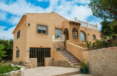 House with guest apartment in Cumbre del Sol, Benitachell.