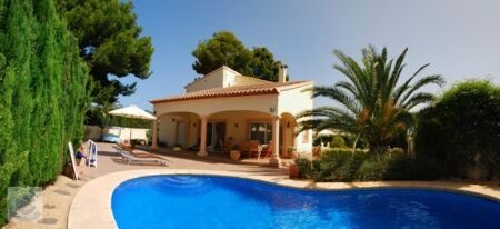 Two-storey house is fully furnished ,with a total area of 205 m2,with a swimming pool and two terraces, plot of 800 m2.