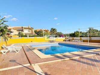 Bungalow, house, apartment near the beach in Calpe.