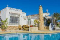 Villa with guest apartment in Calpe. Located in a quiet area 2.3 km from the sandy beach with a promenade