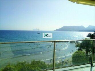 First line of the sea. Apartment overlooking the sea and the Peñón de Ifach, near the beach in Calpe.