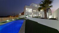 Newly built villa with panoramic views of the sea and Benidorm.