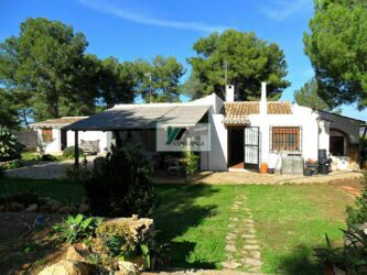 House with big plot with guest apartment, Javea.