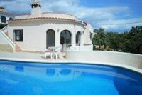 Villa located in one of the best areas of Calpe near large supermarkets, beach, amenities and leisure area