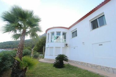 The villa with panoramic views to the sea and Calpe.
