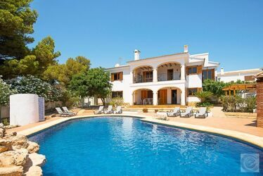 Villa with sea views , 300m to the beach in Calpe.