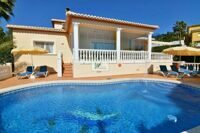 Villa with views to the mountains in Calpe, with pool, jacuzzi and 10 minutes drive to the sandy beach.