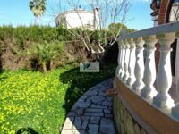 Villa with private plot in Denia.