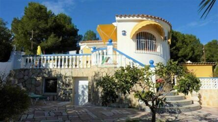 Villa within walking distance of the beach in Calpe