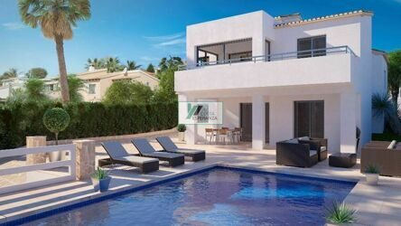 Villa with sea views and the peñon de Ifach , it is 300 m to the beach, in Calpe.