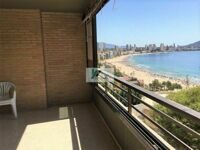 Apartment with sea views only 50 m to the Ponient and Cala beaches in Benidorm.