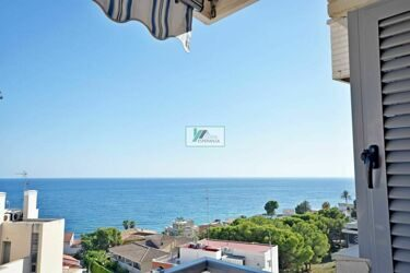 Penthouse in Calpe in central building and close to the beach.