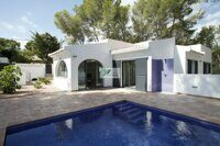 Villa with pool in a green area among the pines on the coast of Benissa