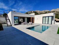 Newly built villa located in Polop with sea viewsThis beautiful promotion of 8 newly built homes located in Polop, is located just 10 km from Albir and 12 km from Benidorm.