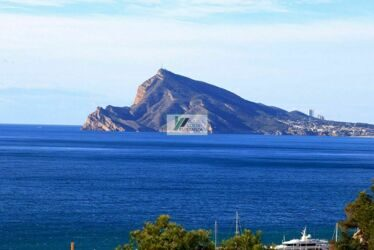 Mascarat,Altea. Modern apartment in excellent condition, with open views to the sea and Albir.