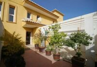 Townhouse in Calpe, 800 meters from the sandy beach.