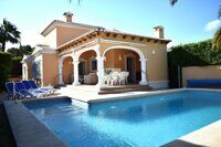 Cozy villa with private pool 2 km from the sandy beach La Fossa in Calpe