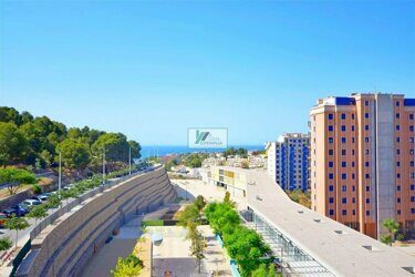 Apartment overlooking the sea, next to schools, health centers, supermarket, within walking distance of the sea in Calpe.