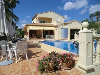 Villa just 1.2 km from La Fustera beach and Les Bassetes port in Calpe.