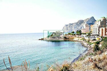 Villa with views to the sea and the Peñón de Ifach in one of the most prestigious areas of Calpe.