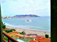 Apartment with sea views in Benidorm.