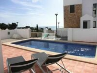 Townhouse with sea views and private pool in Calpe.